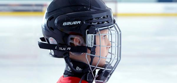 Mnoho hokejových helem je životu nebezpečných